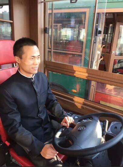 石家庄铛铛公交车司机