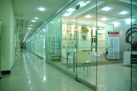 教室走廊 - 风范形象设计艺术学校